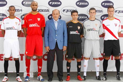 2000 - Crece la calidad de los equipos patrocinados con la firma del Sevilla F.C.