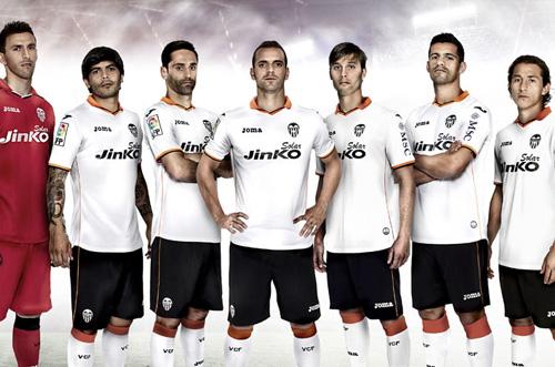 2011 - Joma firma al Valencia C.F.