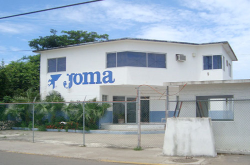 1996 - Joma inaugura su filial en México en la ciudad de Celaya.